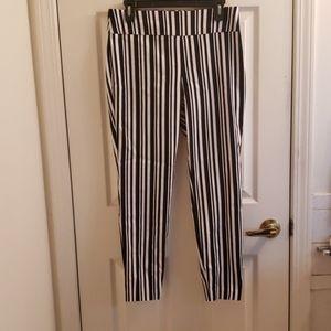 New York & Co Stretchy Legging Pants Medium